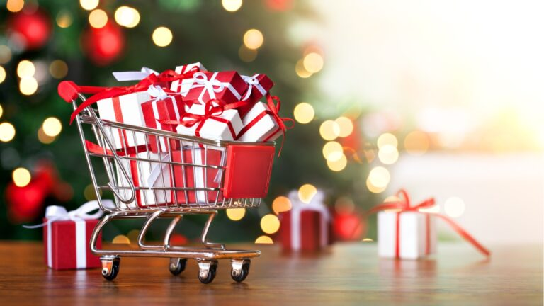 5 Awesome Ways to Save Money on Your Christmas Shopping